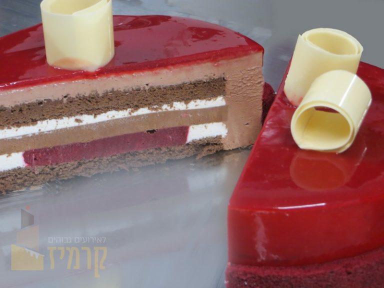 קרמיז - עוגת ויטרינה פתוחה
