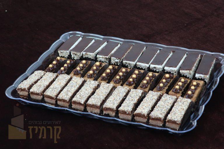 מגשיקרמיז עוגות אלגנטיות חתוכות - אורך