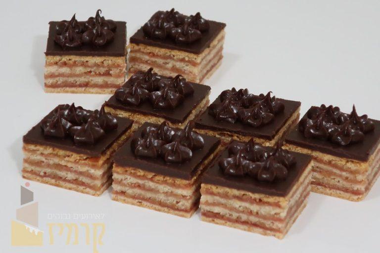 קרמיז לאירועים גבוהים -עוגות חתוכות