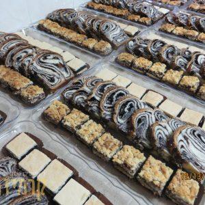 קרמיז - מגשי עוגות חתוכות - עוגות לקפה