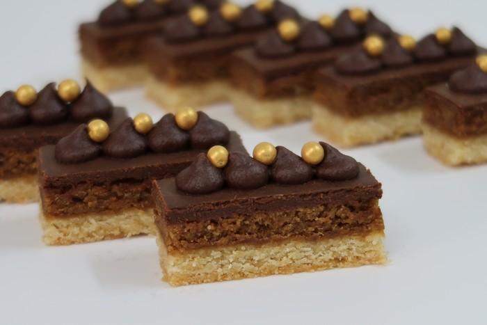 קרמיז לאירועים גבוהים - איידי פרידמן קונדיטורית בעיצוב והכנת אירועים ברמה מקצועית - עוגות לאירועים פרווה